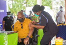 Photo of Mahama and Lordina take COVID-19 vaccine
