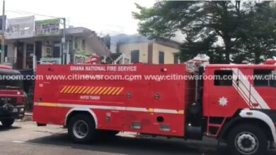 Photo of Fire razes storey building in Adabraka
