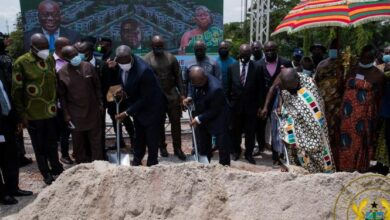 Photo of Nana Addo cuts sod for 20 residential facilities for Court of Appeal judges in Kumasi