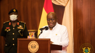 Photo of Akufo-Addo freeze salary increments for himself and all his appointees