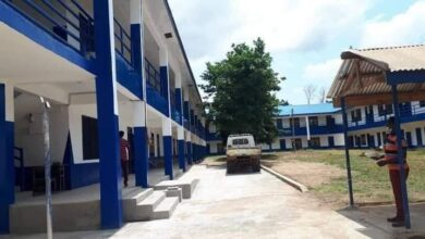 Photo of SHS Student beats teacher to pulp, stabs security man with broken bottle