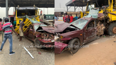 Photo of One dead, 5 others in critical condition as truck runs into toll booth at Tema motorway roundabout